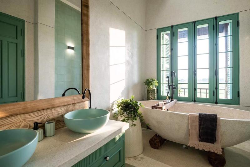 Vòi nước lavabo bằng đồng, sen tắm đặt sàn bằng đồng mộc mạc, độc đáo