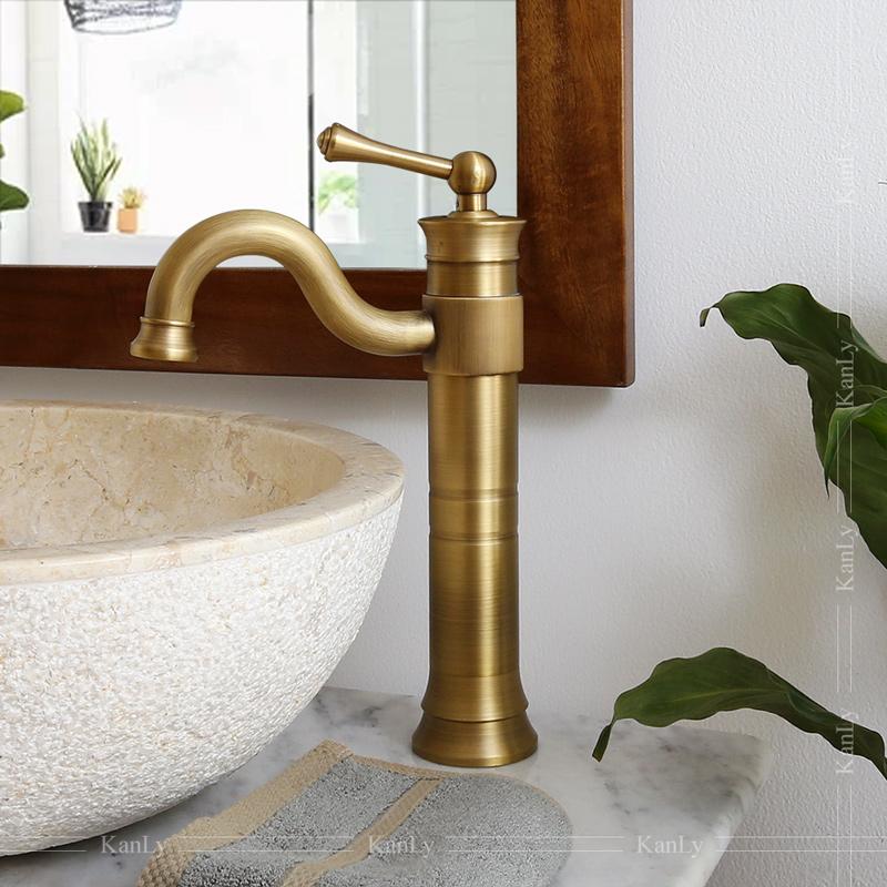 Vòi nước gắn lavabo cổ điển