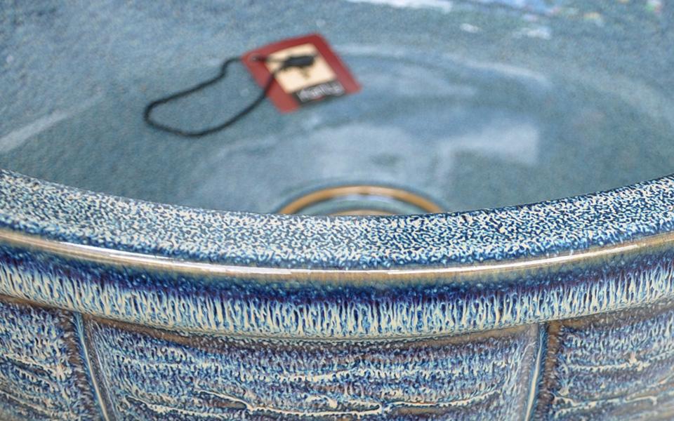 Lavabo sứ mỹ thuật, đẹp, bằng gốm sứ,