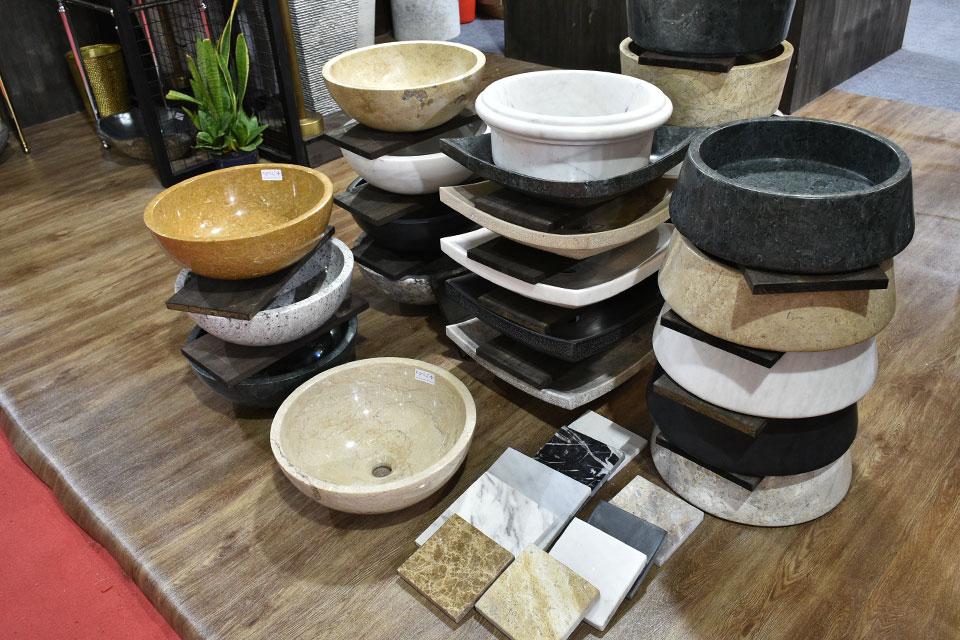 Chậu đá tự nhiên độc đáo do KanLy cung cấp