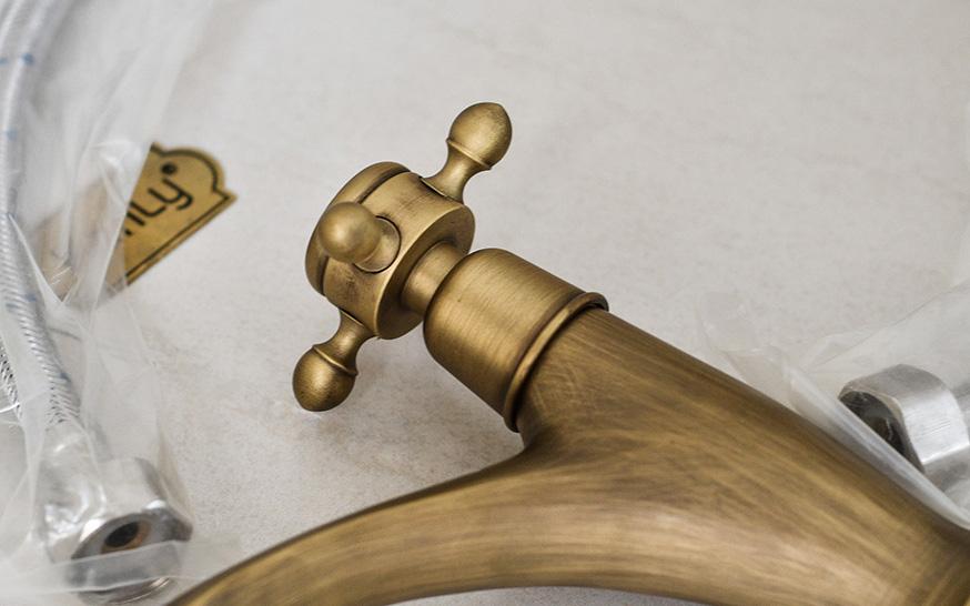 Vòi lavabo nóng lạnh bằng đồng thau giả cổ, cổ điển