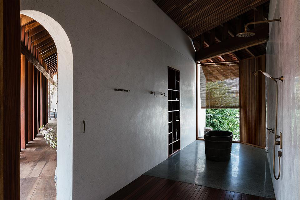 Sen âm tường lắp đặt công trình Nhà gỗ Nha Trang