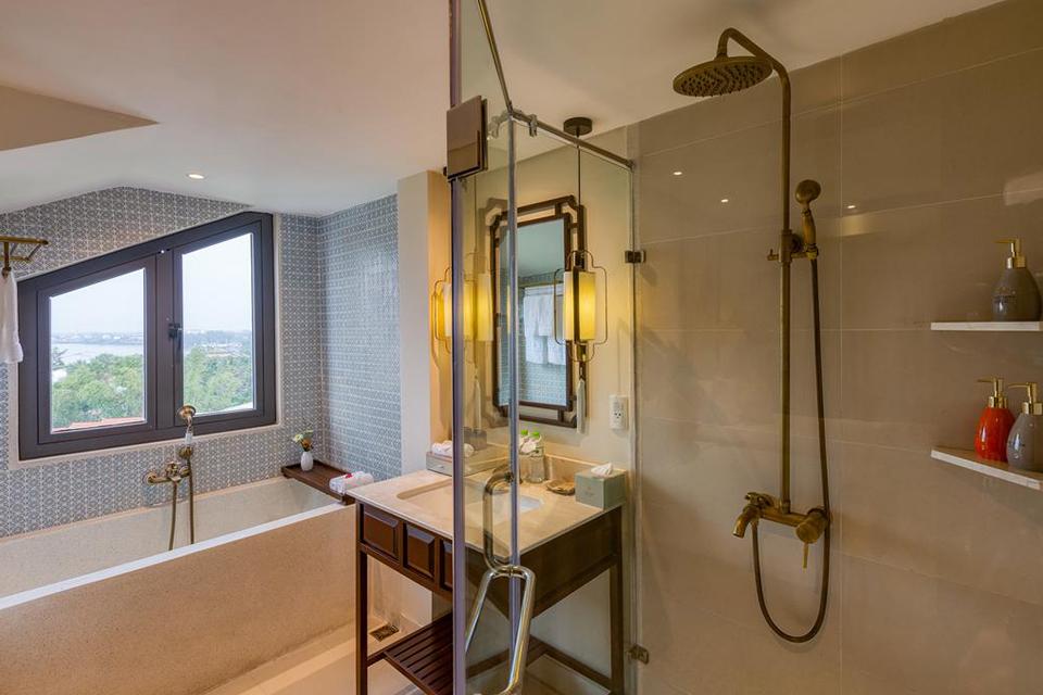 Vòi sen tắm bằng đồng thau kiểu cổ điển