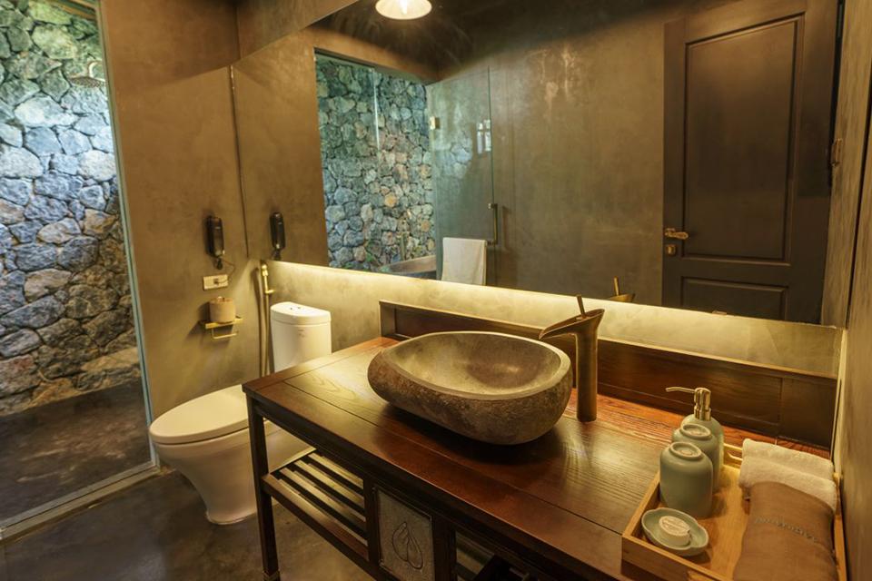 Chậu rửa mặt đá cuội cho không gian kiến trúc rustic