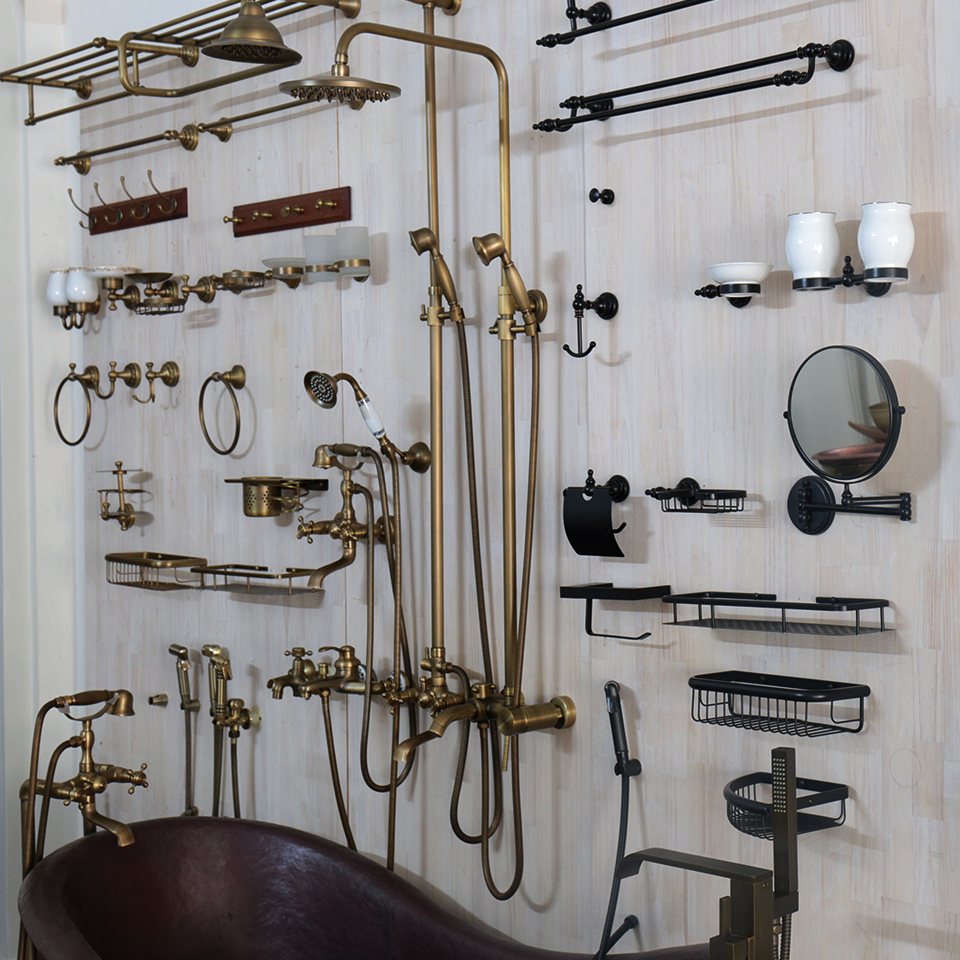 Phụ kiện phòng tắm bằng đồng thau đúc do KanLy cung cấp
