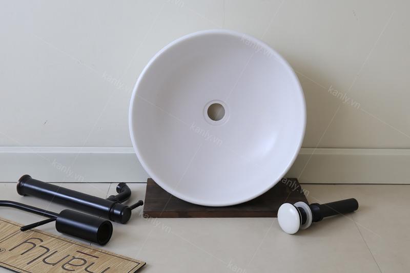 Lavabo tròn đặt bàn màu trắng SU513 có kiểu dáng tròn đều, không góc cạnh tạo nên sự thanh thoát