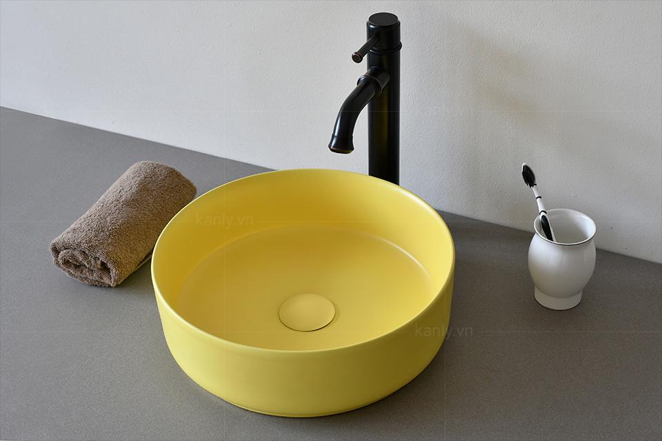 Chậu rửa mặt ceramic màu vàng SU524