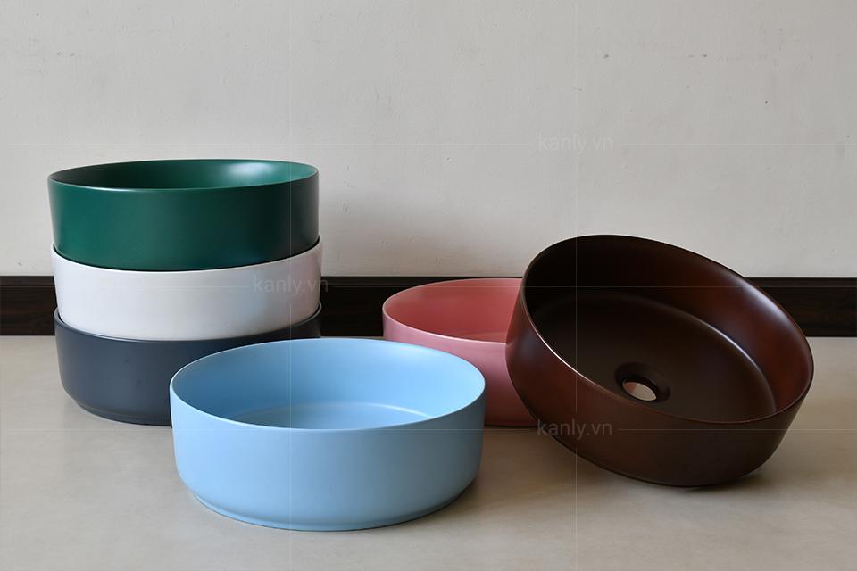 Bộ sưu tập chậu sứ côn với đầy đủ sắc màu