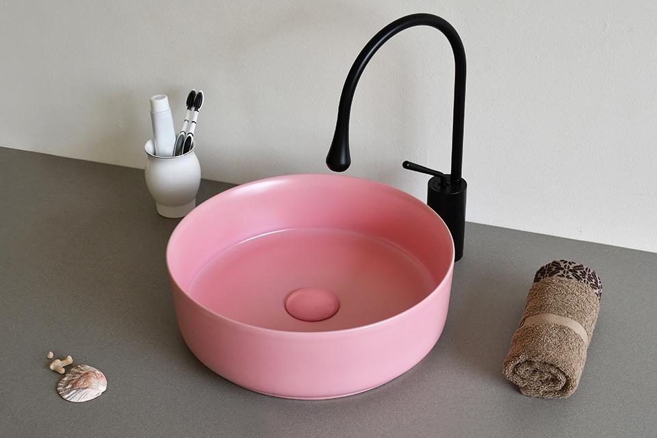 Lavabo sứ màu hồng pastel SU520 thanh lịch, sang trọng