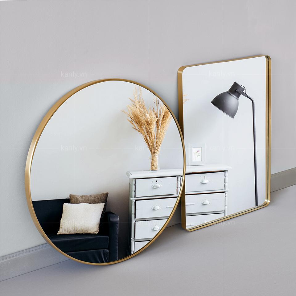Bề mặt gương sáng bóng cho chất lượng hình ảnh phản chiếu rõ