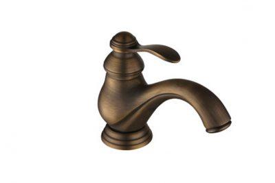 Vòi nước bằng đồng thau giả cổ cổ điển.