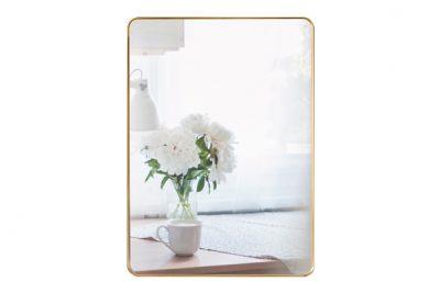 Gương nhà tắm có khung bằng đồng PK11.02 với thiết kế hình dạng chữ nhật bo góc mỹ thuật tạo nét cổ điển, sang trọng và thể hiện nét đẹp mộc mạc, độc đáo