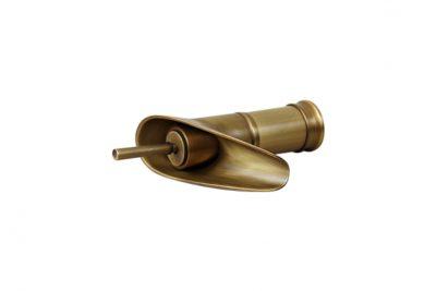 Vòi nước thân thấp bằng đồng GCV17